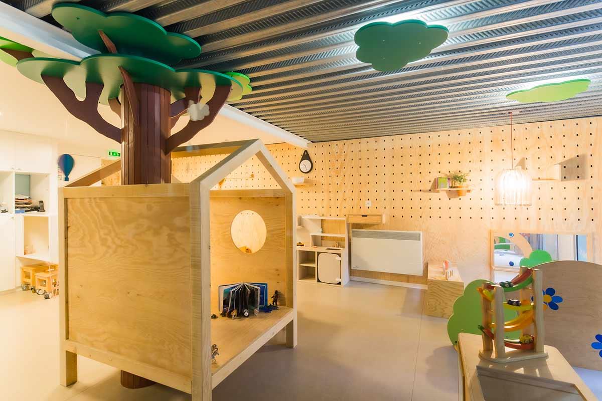 salle de vie de la creche little